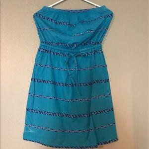 Dresses & Skirts - Strapless Aztec print dress
